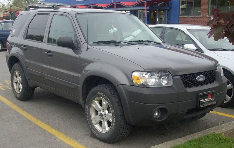 Ford_Escape_2005_2007